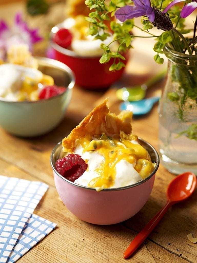 Frozen yogurt with lemon and passion fruit curd