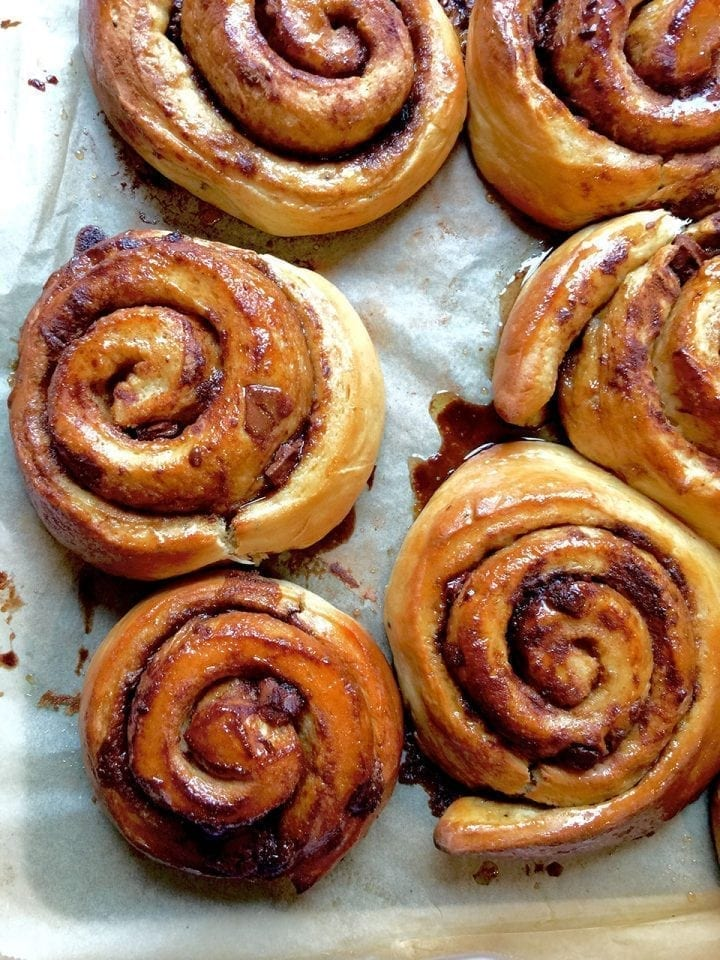 Chocolate and cinnamon buns