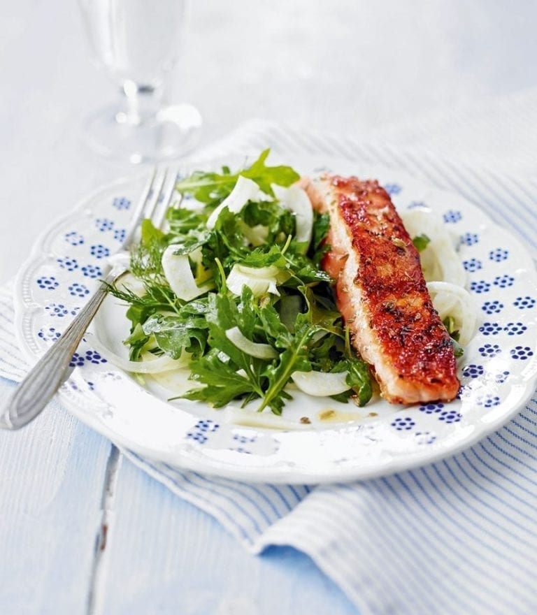 Salmon with crunchy, quick-pickled fennel salad