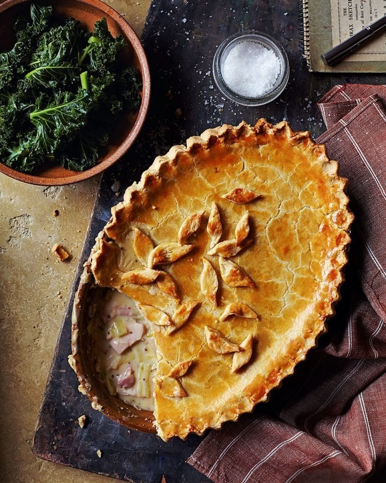 Chicken, smoked bacon and leek pie