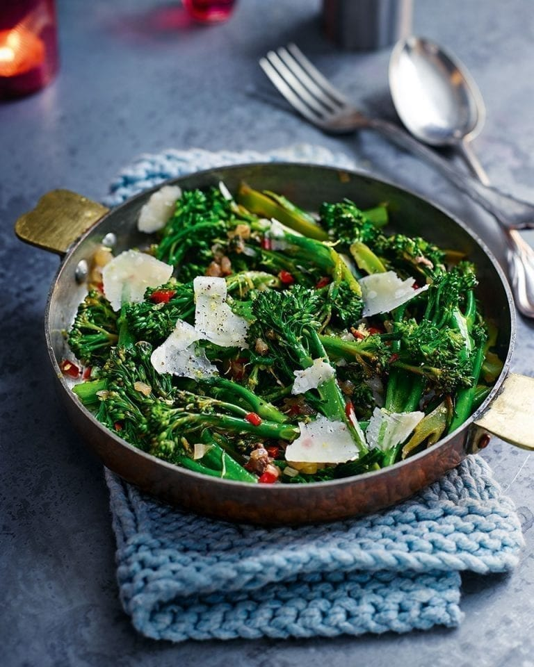 Warm broccoli with anchovies and red chilli