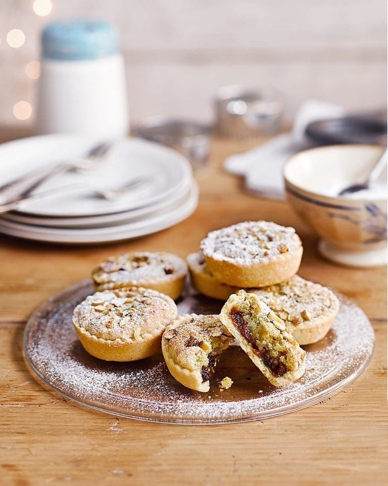Clementine and pistachio mince pies