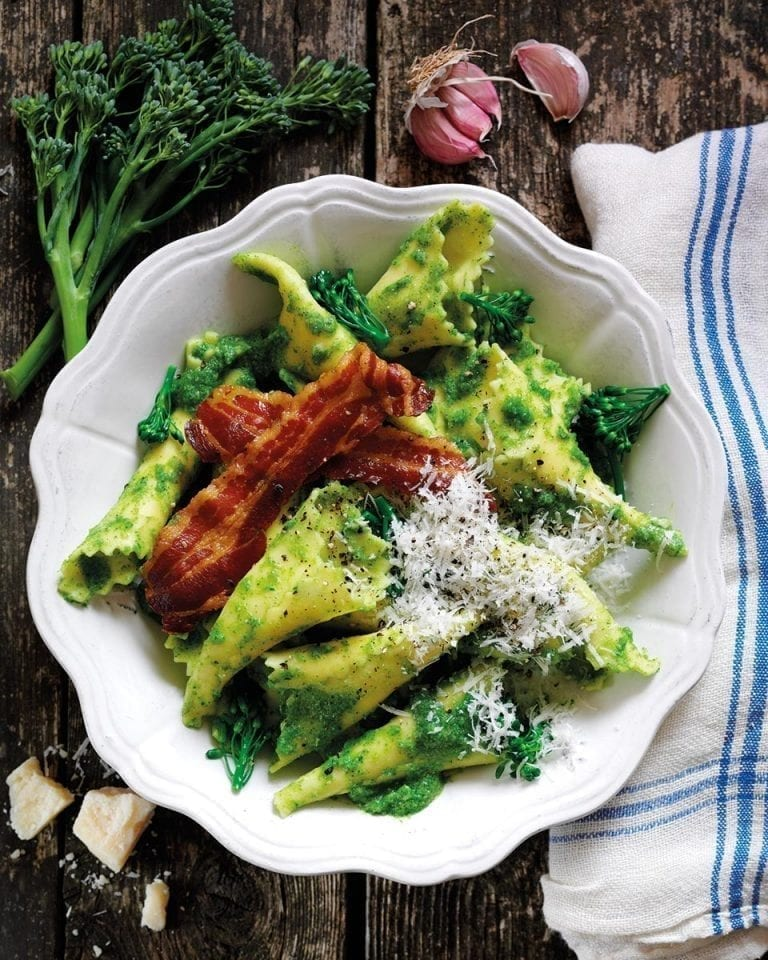 Pasta with broccoli pesto and pancetta
