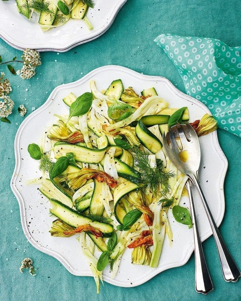 Marinated fennel and courgette salad with basil