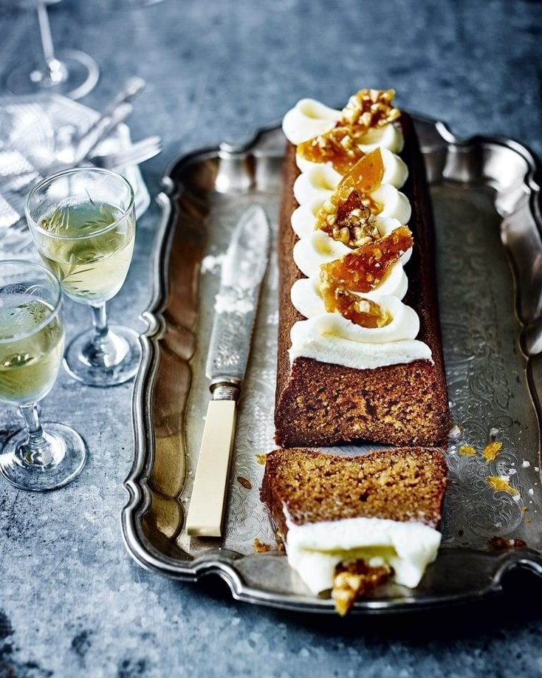Salted honey cake with hazelnut brittle
