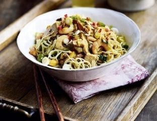 Singapore style stir fried noodles