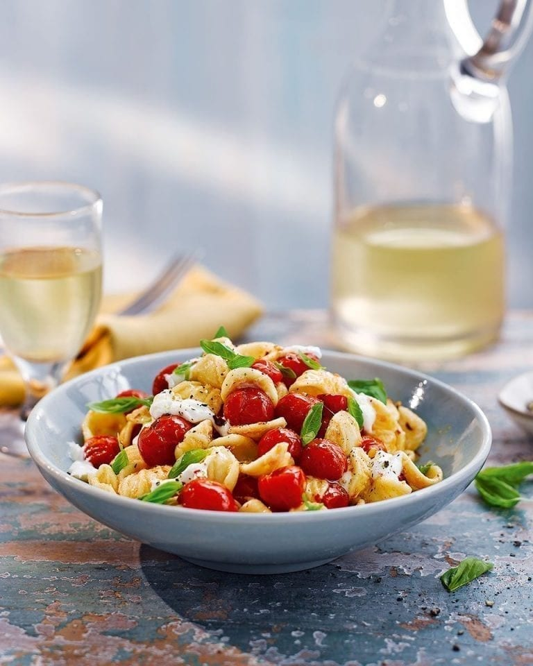 Orecchiette with burrata, tomatoes and garlic