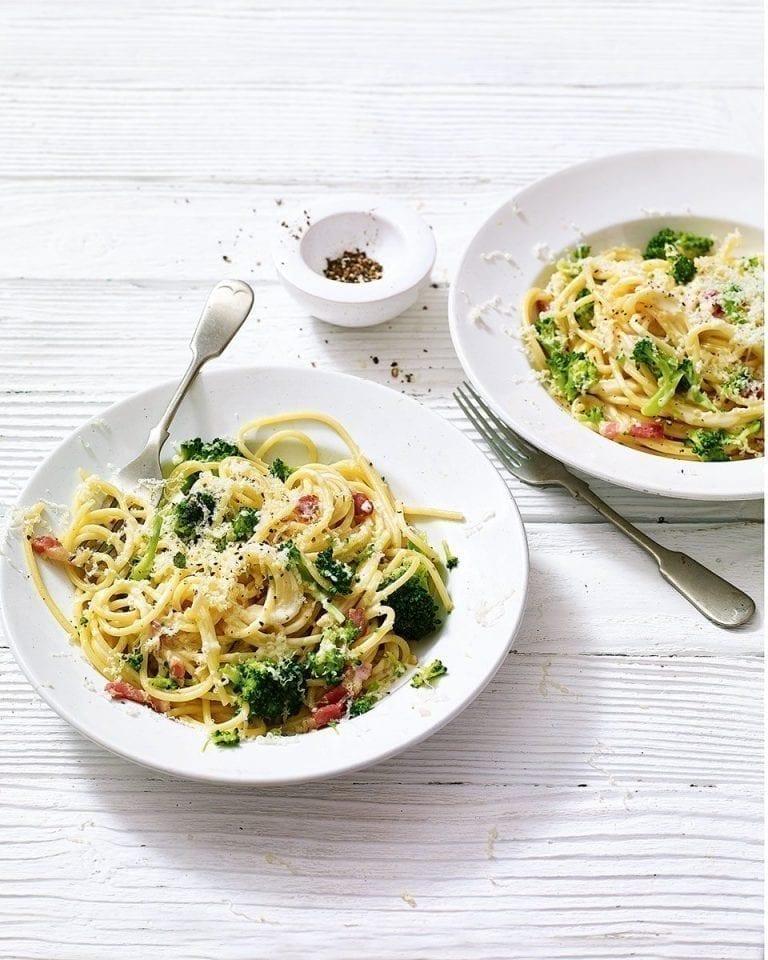 Creamy broccoli and bacon spaghetti