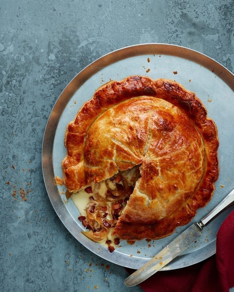 Vacherin pithivier with caramelised onions and bacon