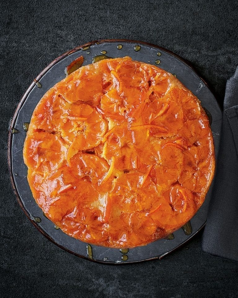 Clementine upside-down cake with marmalade