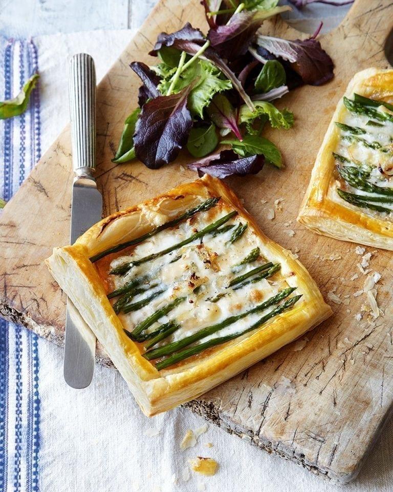 Quick asparagus and taleggio tart