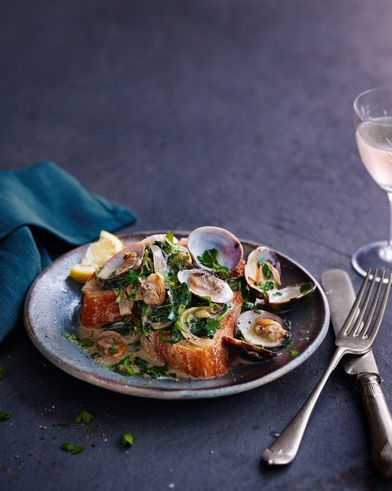 Lemon, parsley and spinach clams on toast