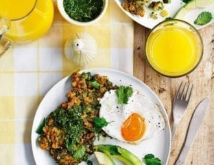 Sweetcorn fritters with avocado, fried egg and mint chutney