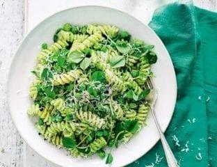 Pasta with pea pesto