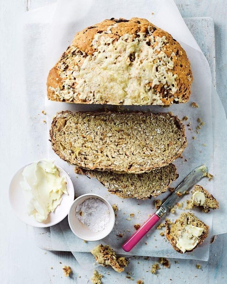 Speedy cheddar and onion soda bread