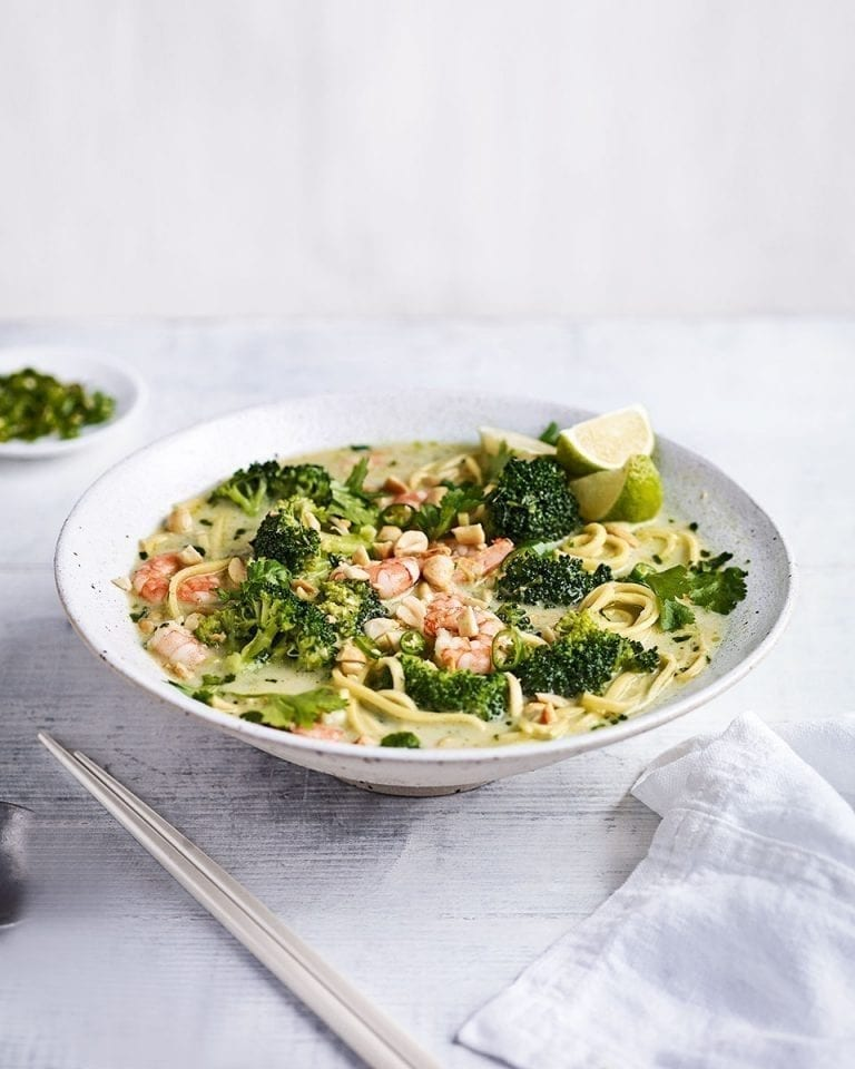 Thai-style prawn and noodle soup with broccoli
