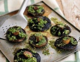 Roasted mushrooms with rocket pesto