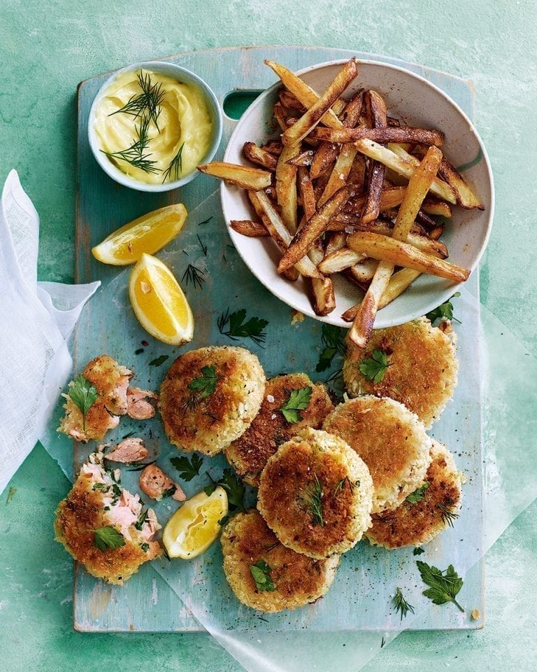 Hot-smoked salmon and parsley fishcakes with lemon mayonnaise and homemade chips