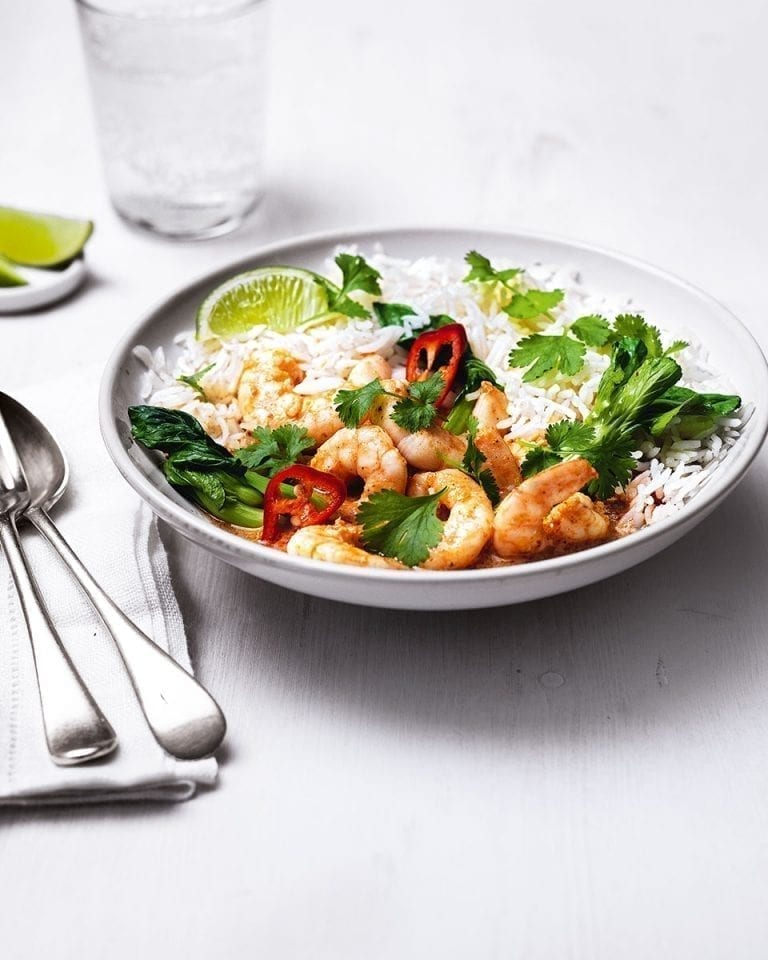 Quick Thai red prawn curry