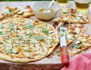 Courgette and ricotta pizza