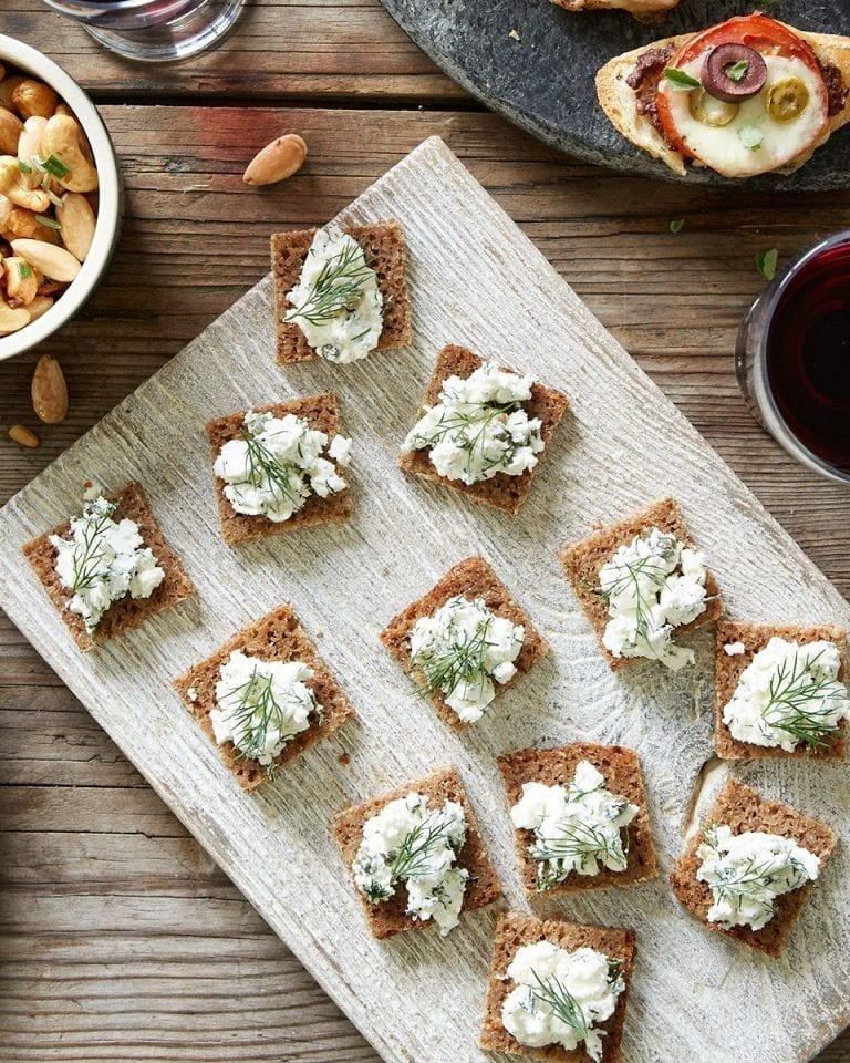 Quick dill, caper and goat's cheese canapés