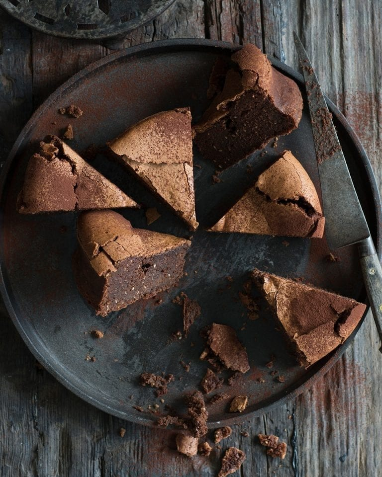 Flourless dark chocolate and hazelnut cake