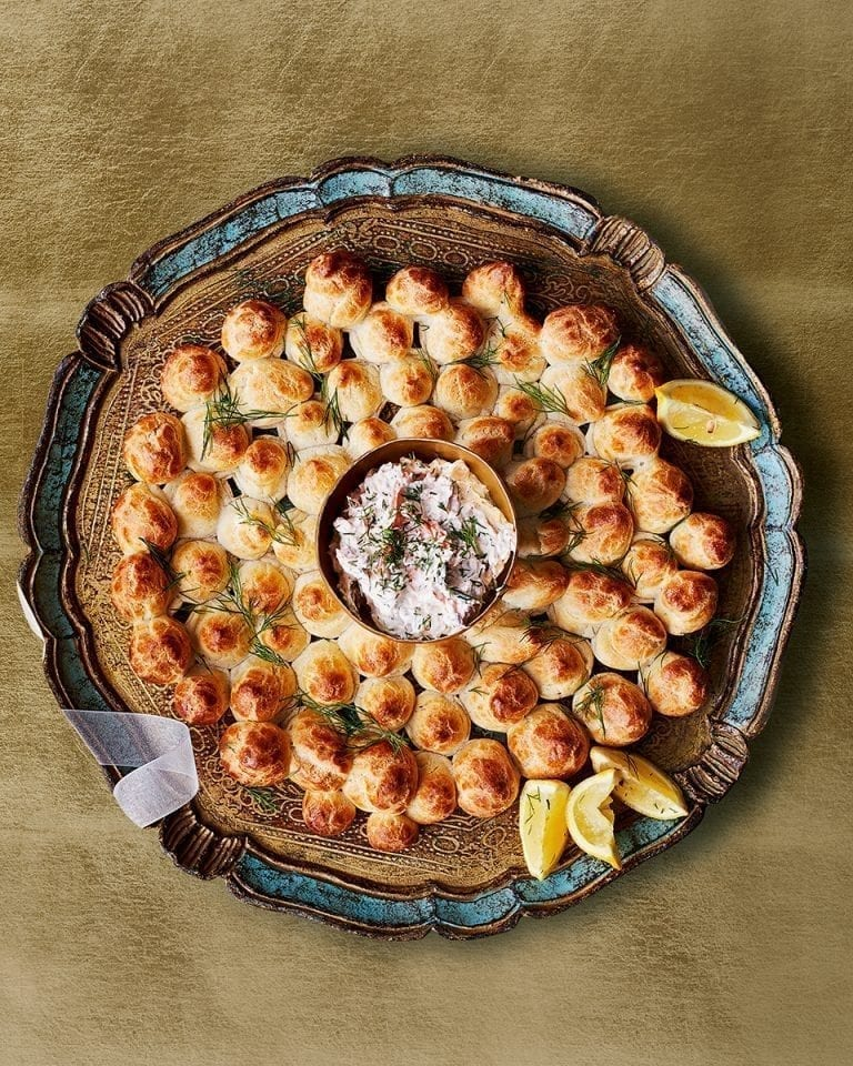 Cheesy choux wreath with hot smoked salmon and horseradish dip