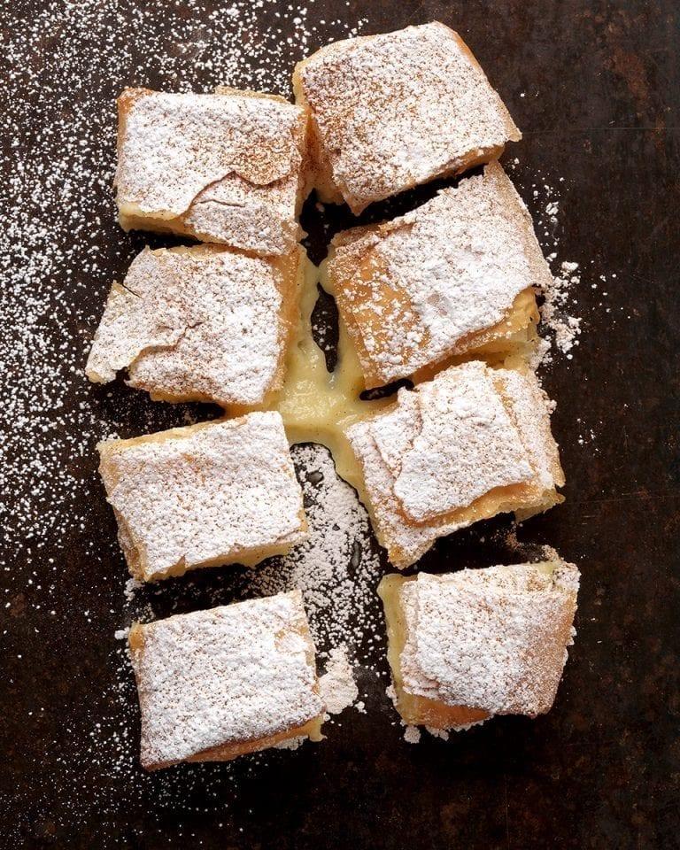 Sweet bougatsa with homemade 'Milko'
