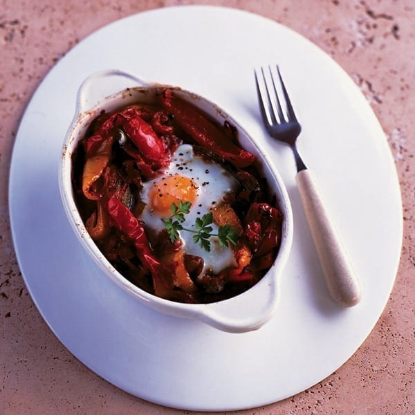 Baked eggs and peppers
