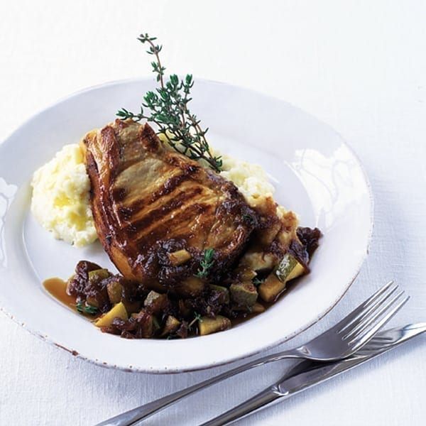 Pork chops with onion and pear chutney