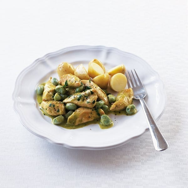 Chicken with creamy pesto and broad beans