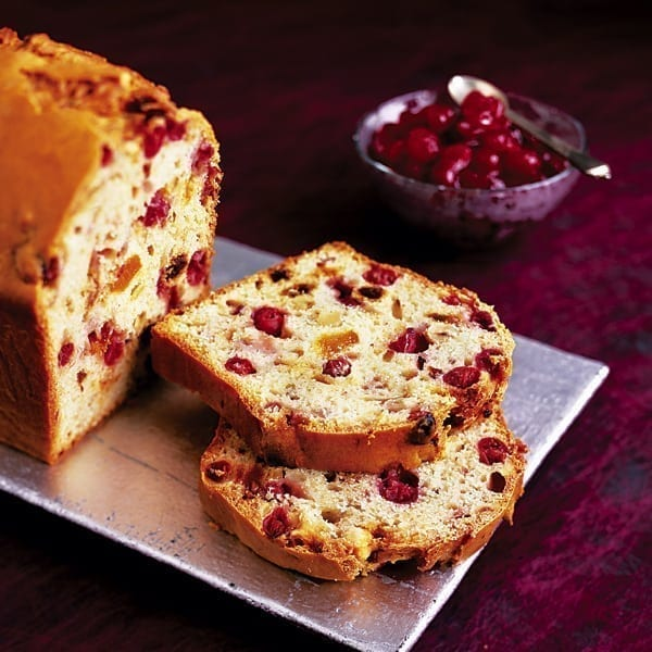 Cranberry fruit loaf with cranberry sauce