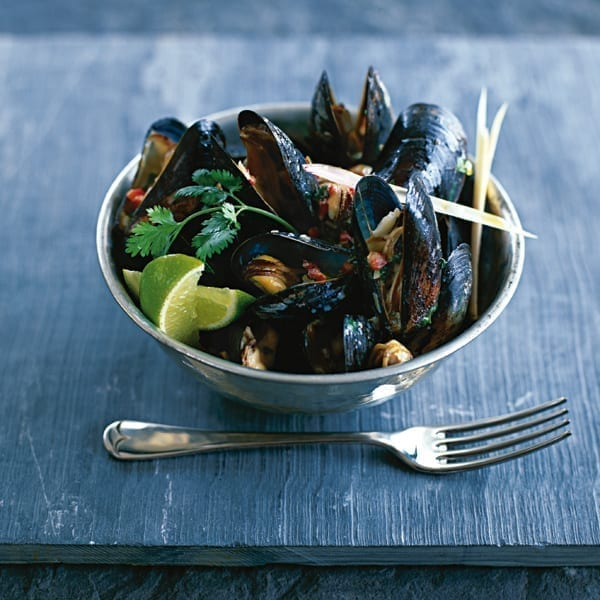 Mussels in coconut broth