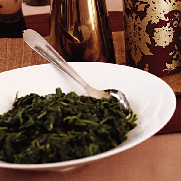 Steamed spinach with shallots