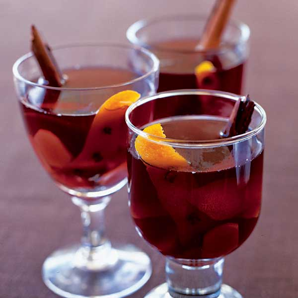 Hot mulled winter punch