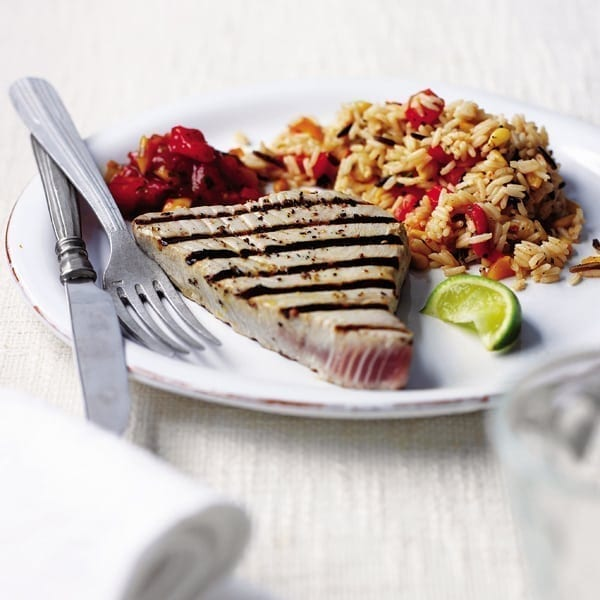 Seared tuna with tomato and pine nut rice
