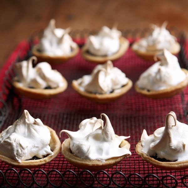 Meringue-topped mince pies
