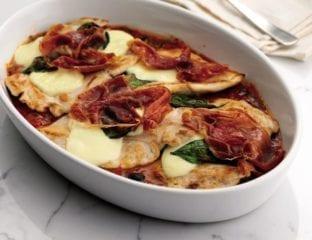 Chicken and mozzarella in tomato sauce