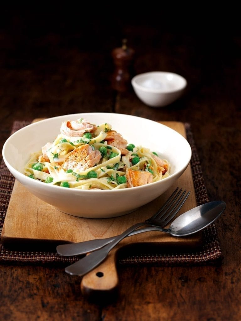 Low calorie salmon and pea tagliatelle