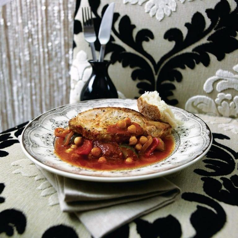 Paprika pork with chickpeas