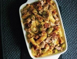 Tuna and olive pasta bake