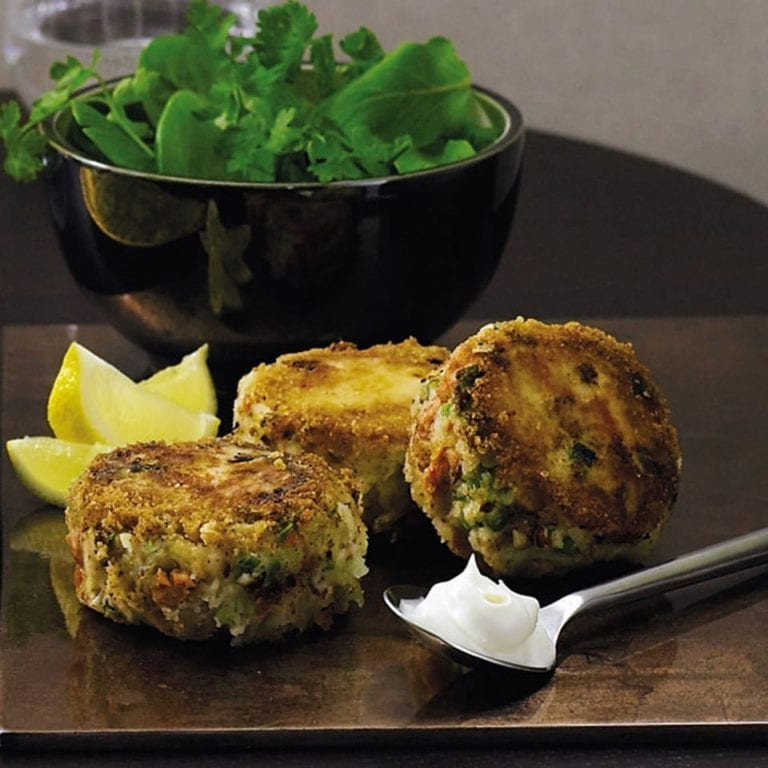 Lemon salmon fishcakes