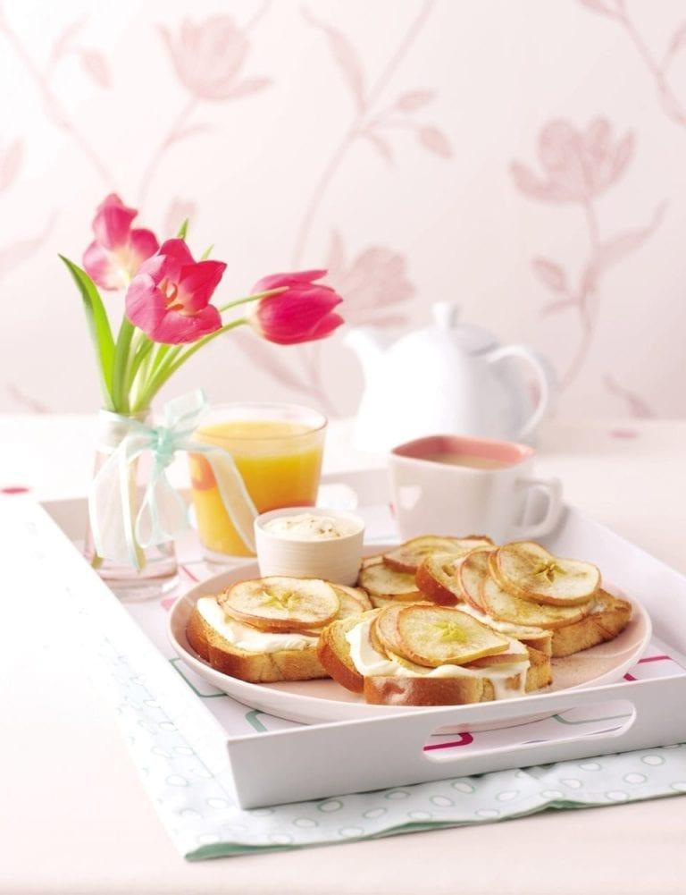Cinnamon apple brioche