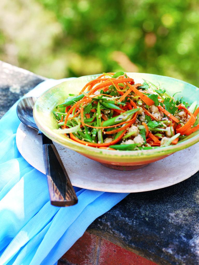 Chickpea and carrot bulgur wheat salad