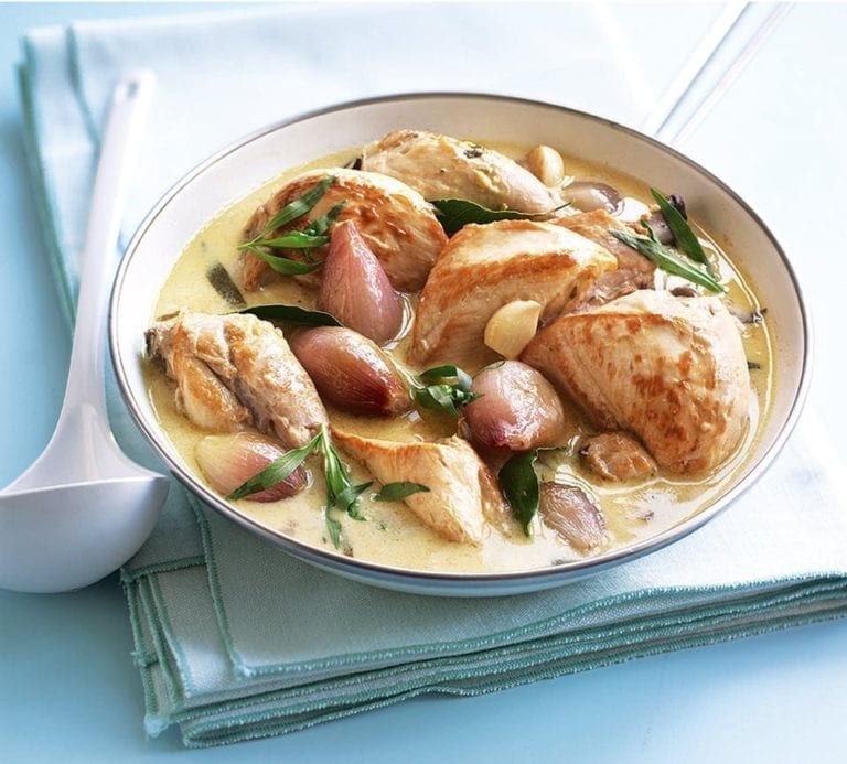 Chicken sauté with white wine, shallots and tarragon