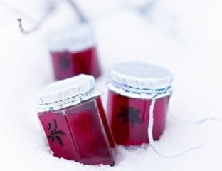 Mulled cranberry and apple jelly