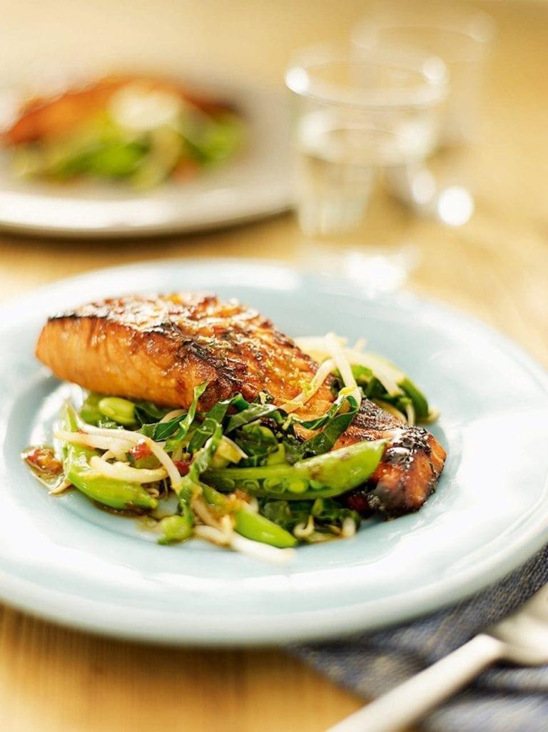 Teriyaki salmon with stir-fry vegetables