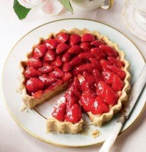 French strawberry tart – video
