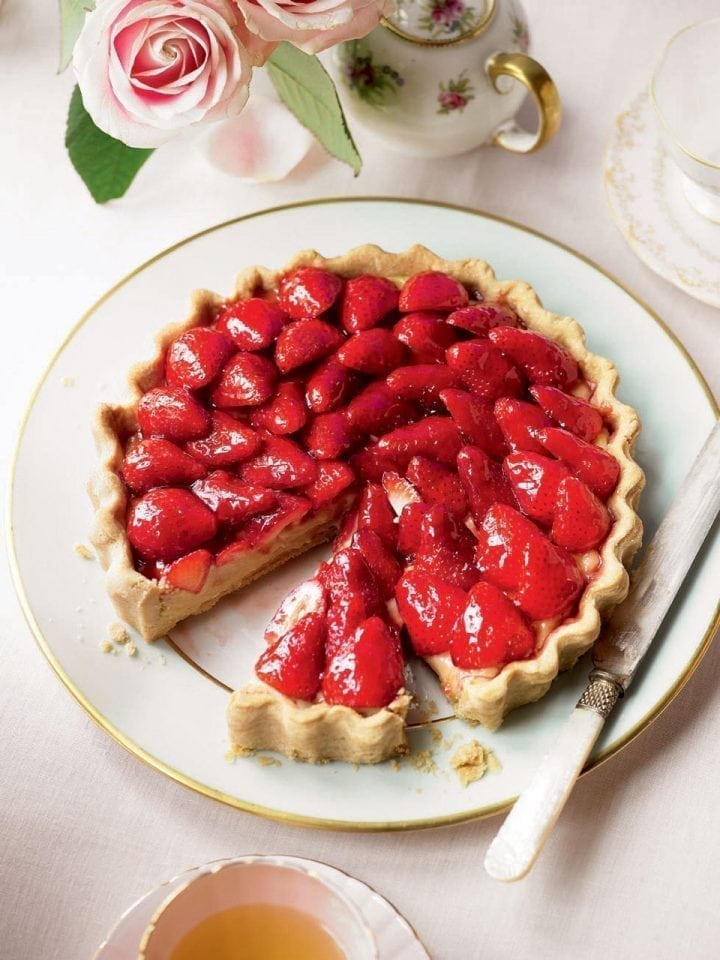 French strawberry tart – video