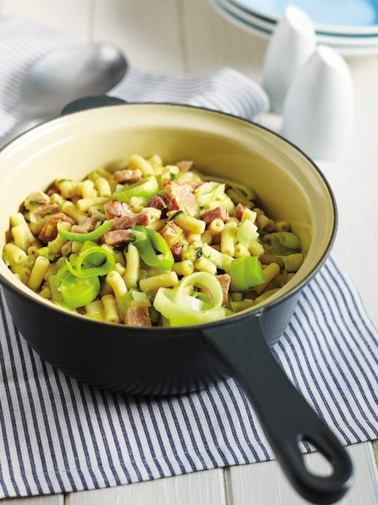 Ham and leek pasta